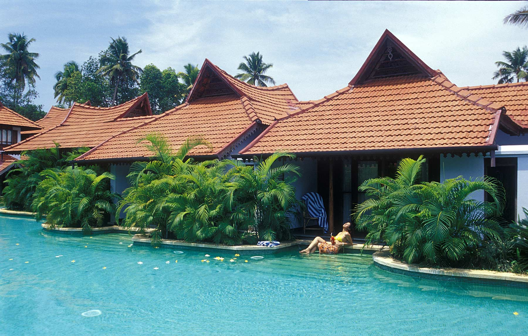 7 days ayurvedic de-stress package at kumarakom ayurvedic resort kerala, india101522658226.jpg
