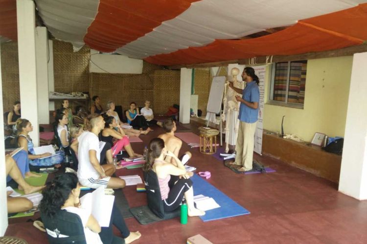 10 days ayuryoga massage training course goa, india (1)1570447689.jpg