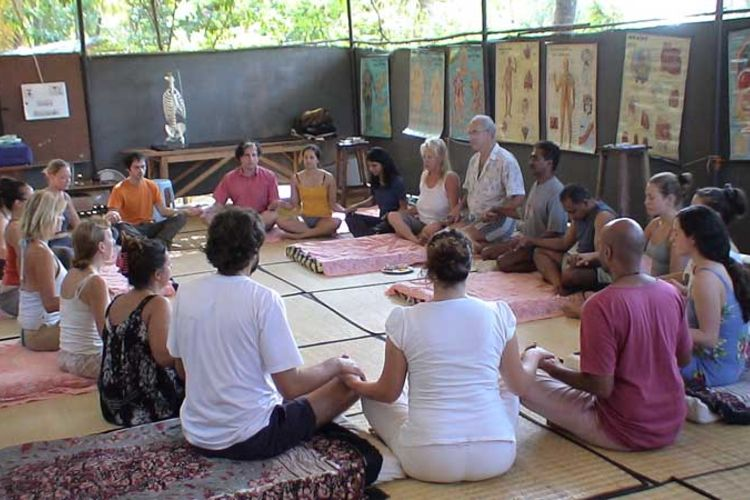 10 days ayuryoga massage training course goa, india (8)1570447688.jpg
